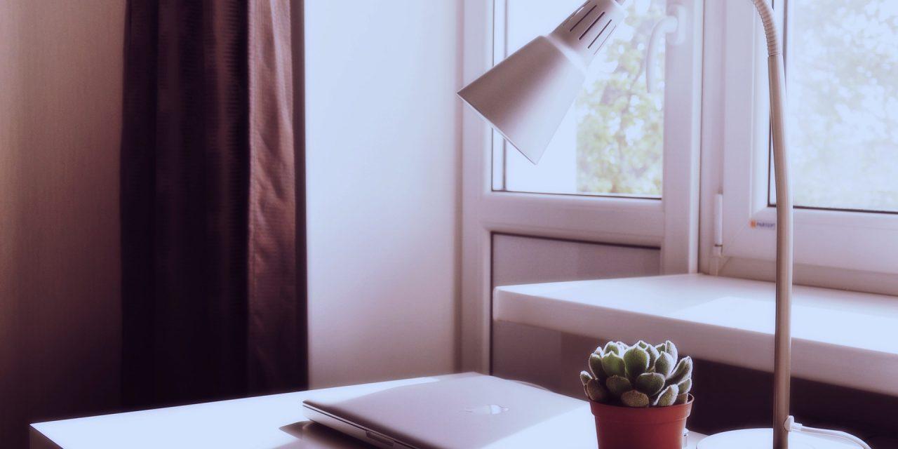 افضل 10 مصابيح (لمبات) ذكية للطاولة